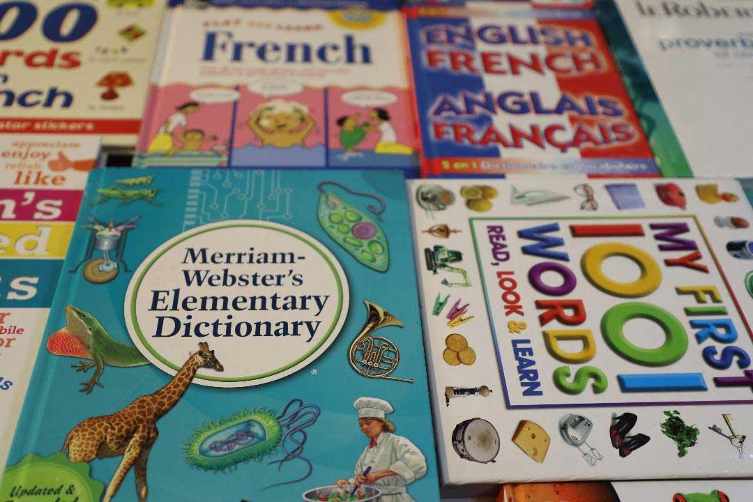 Les enfants exposés à 2 langues